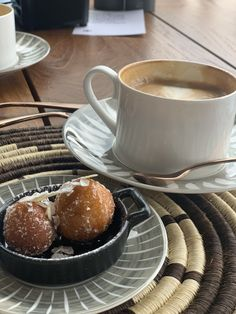 Morning Inspiration, Hummingbird, Donuts, Africa, Coconut, Platform, Coffee, Natural, Frost Donuts