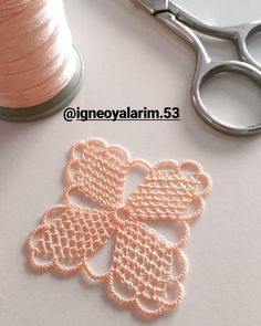 Irish lace Irish crochet flower motives, off white flower Crochet Square Patterns, Doily Patterns, Crochet Squares, Crochet Motif, Crochet Doilies, Crochet Flowers, Crochet Stitches, Crochet Home, Irish Crochet