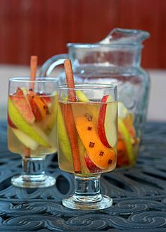 White Autumn Spice Sangria | Kitchen Treaty
