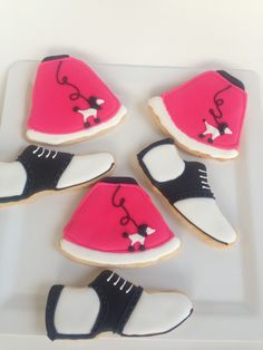 Poodle skirt and shoes. Perfect for 50's theme party cookies