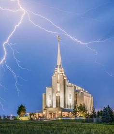 Rexburg Temple – Power From On High Rexburg Temple, Rexburg Idaho, Mormon Temples, Lds Temples, Lds Temple Pictures, Ancient Greek Architecture, Gothic Architecture, Lds Church, Church Ideas