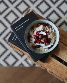 breakfast bowl / oatmeals @sylwia_kaleta