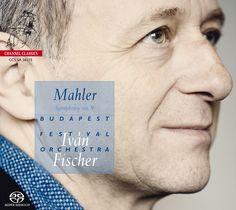 Mahler schreef zijn negende symfonie in een donkere periode, waarschijnlijk in de volle wetenschap van zijn eigen aanstaande dood. Het thema van de menselijke sterfelijkheid speelt dan ook een zeer belangrijke rol en de negende symfonie heeft dan ook iets van een afscheid. Het wordt gezien als de finale van de muziekstroming Romantiek. De componist heeft de eerste uitvoering niet meer meegemaakt, maar heeft nog wel enkele delen gereviseerd. De première vond in Wenen plaats onder leiding van…