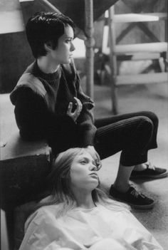 Still of Winona Ryder and Angelina Jolie in Girl, Interrupted