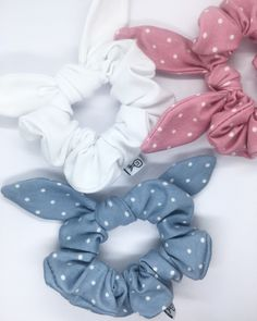 Excited to share this item from my shop: Knot bow hair tie scrunchie bow hair bow hair accessories vintage hair tie polka dots Vintage Hairstyles, Diy Hairstyles, Hair Accessories For Women, Vintage Accessories, Natural Hair Accessories, Handmade Hair Accessories, Diy Accessoires, Accesorios Casual, Hair Ties