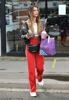 Red Joggers, Joggers Outfit, Red Skirt Outfits, Pretty Outfits, Maternity Outfits, Stylish Maternity, Love Island Outfits, White Vest Top, Beauty