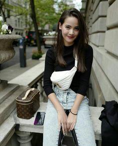 this is urassaya sperbund Thai Fashion, Blackpink Fashion, Fashion Models, Fashion Outfits, Face Photography, Photography Poses Women, Selfies, Best Photo Poses, Insta Photo Ideas