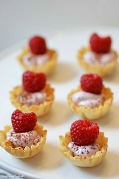 Müller® Yogurt Me Moments & a Chocolate Raspberry Yogurt Tartlets Recipe This shop has been compensated by Collective Bias, Inc. and its advertiser. All opinions...