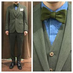 マットなオリーブカラーのスリーピース。  比翼仕立てのレギュラーカラーのデニムシャツに、グリーンの蝶ネクタイ。  グリーン好きにはたまらないコーディネート。  オーダーメイド製品はlifestyleorderへ。  all made in JAPAN  素敵な結婚式の写真を@lso_wdにアップしました。  wedding photo…@lso_wd  #ライフスタイルオーダー#オーダースーツ目黒#結婚式#カジュアルウエディング#ナチュラルウエディング#レストランウエディング#結婚準備#新郎衣装#新郎#プレ花嫁#蝶ネクタイ#メンズファッション#デニム  #lifestyleorder#japan#meguro#photooftheday#instagood#wedding#tailor#snap#mensfashion#menswear#follow#ootd#bowtie#denim