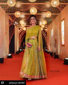 Priya Prakash Varrier Looks Hot And Beautiful in Golden-Green Lehenga, Pictures Will Make You go Crazy Lehenga Style, Lehenga Choli, Sarees, Hd Photos, Girl Photos, Green Lehenga, Modern Saree, Indian Bridal Lehenga, Tamil Actress Photos
