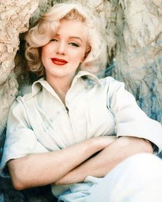 live4two: Marilyn Monroe photographed by Milton Greene, 1953