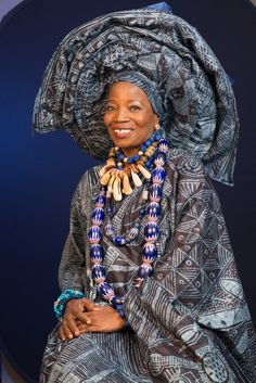 Inspiration: The Nigerian Woman Who Lectures At Harvard Without A University Education Herself African Inspired Fashion, African Fashion, Beautiful Black Women, Beautiful People, Afro, Village Girl, African Textiles, African Fabric, African Trade Beads
