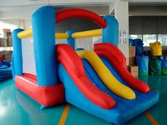 http://www.castilloshinchablessaltofeliz.com/producto/castillo-hinchable-mini-pista-americana-blue-comboRef00014