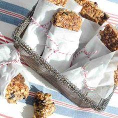 breakfast-muesli-chews #recipe #BlancoMoments Good Morning Breakfast, What's For Breakfast, Breakfast Recipes, Free Cookbooks, Sweet Little Things, Muesli, Lunch Recipes, Food Network Recipes, Healthy Snacks