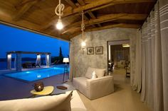 Beautifully furnished Villa with view of the Ionian Islands and turquoise ! around nidri