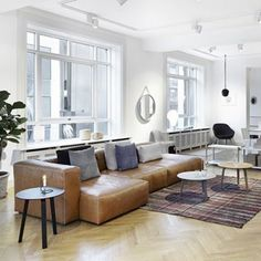 Modular Mags soft sofa is available in a range of shapes and fabrics Kadrat. Decoration and contemporary furniture in Paris Living Room Sofa, Living Room Decor, Dining Room, Cognac Leather Sofa, Leather Sofas, Danish Interior Design, Danish Design, Hay Design, Design Shop