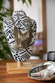 Magical Thinking Fabric Vanity Bust LOOOOOOOOOOOOVE URBAN OUTFITTERS 20$