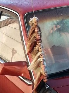 Barbie Head Kebob Car Antenna: Watch your barbie doll heads go for a ride every time you drive with the new barbie head kebob! Not to be confused with a shish k Neuer Ford Mustang, Look 80s, Lila Baby, Bizarre, Cursed Images, Photo Instagram, Devon, Barbie Dolls, Barbie Car