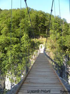 Passerelle d'Holzarté / Pays Basque / Pyrénées Basque Country Holtzarte