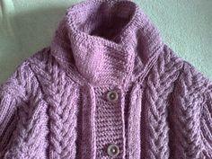 sweterek damski z warkoczami