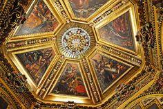 FOTOGRAFIAS DEL MUNDO: Capilla de la Santa Faz en la Iglesia del Monaster...