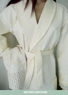 Roupão Piquet - com mangas longas e bolsos bordados - 100% algodão