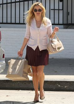 Northeastern chic: On Friday, Reese Witherspoon was spotted leaving Jessica…