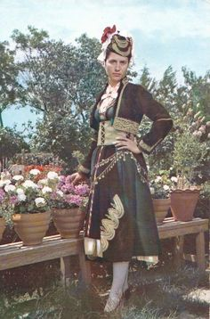 Postcard of a Greek woman wearing the traditional costume from Alexandria of Imathia, Greece Costumes For Women, Greek Costumes, Greek Clothing, Folk Costume, Folklore, Greek Woman, Greece, The Past, Women Wear