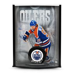 Wayne Gretzky Signed Oilers Puck with Triplex Picture Curve Display