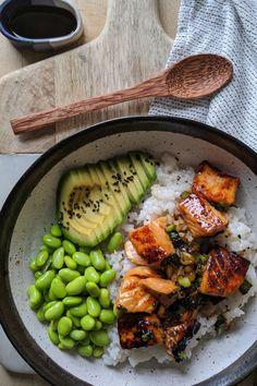 healthy dinner recipes for family eating clean Teriyaki Salmon Sushi Bowl - Gesunde Rezepte - Plats Healthy, Teriyaki Salmon, Marinated Salmon, Teriyaki Bowl, Terriyaki Salmon Recipe, Health Dinner, Think Food, Healthy Meal Prep, Dinner Healthy