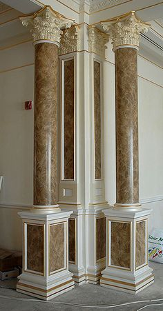 Faux marble on plaster columns House Front Design, Door Design, Wall Design, Marble Painting, Faux Painting, Luxury Decor, Luxury Interior, Bungalow Haus Design, Pillar Design