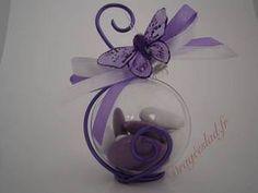 Contenant dragées papillon lilas, Boule dragees mariage originale - Drageeslad.