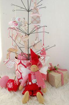 Christmas Decorating Ideas for Holiday Home | PicturesCrafts.com