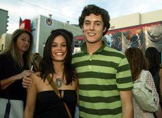 Pin for Later: 66 Couples de Célébrités Que Vous Aviez Totalement Oublié Adam Brody et Rachel Bilson Rachel et Adam se sont mis en couple pendant la première saison de Newport Beach et se sont séparés en 2006.