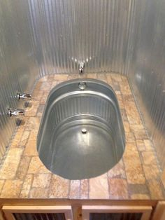 Awesome Small House Bathroom Shower and Tub Design Ideas - Page 13 of 64 Tiny House Swoon, Tiny House Living, Yurt Living, Living Room, Metal Building Homes, Building A House, Building Ideas, Metal Homes, Horse Trough Bathtub
