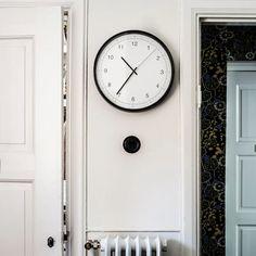 TAGGAD Wall clock - white/gray - IKEA Wall Clock Ikea, Polypropylene Plastic, Digital Clocks, Gallery Wall, Design, Mantles, Table, Wall Ideas, Products