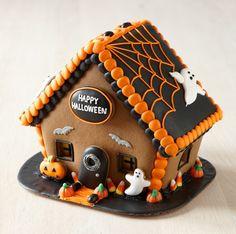 Williams-Sonoma - Halloween Gingerbread House.