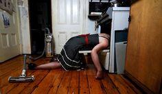 Ξεχάστε το γυμναστήριο! Πόσες θερμίδες καίτε με τις δουλειές του σπιτιού;