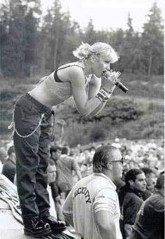 Gwen Stefani on festival stage