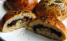 Armenian brioche filled with dates, honey and walnuts