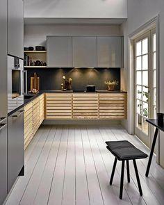 Classic køkken by uno form i Ash og Stone grey Loft Kitchen, Kitchen Tops, Kitchen Cabinets, Diy Kitchen Decor, Kitchen Design, Kitchen Interior, Interior Design Living Room, Küchen In U Form, Beautiful Kitchens