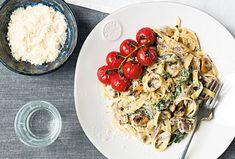 Těstoviny jsou rychle hotové a velmi chutné, vyzkoušejte domácí tagliatelle se žampiony a cherry rajčátky.  #recept #testoviny #zampiony #rajcata #recipe #champignon #pasta Spaghetti, Ethnic Recipes, Noodle