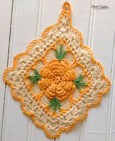 Maggie's personal crochet potholder collection see Maggie's vintage designs here http://www.maggiescrochet.com/collections/crochet/vintage-crochet-patterns #flower #maggieweldon #crochetpattern #potholder #vintage