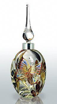 Perfume Bottle - Butterfly - 2009 Guild piece Designed by Richard Golding, Dean Hopkins, Karinna Sellars Perfumes Vintage, Antique Perfume Bottles, Vintage Bottles, Bottle Vase, Glass Bottles, Glass Vase, Cristal Art, Glas Art, Beautiful Perfume