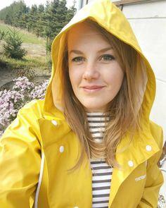 Yellow Rain Jacket, Yellow Coat, Yellow Raincoat, Vinyl Raincoat, Pvc Raincoat, Rainy Day Fashion, Country Wear, Hooded Cloak, Rain Gear