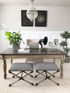 91 Beautiful and Subtle Home Office Design Ideas - Page 51 of 91 - Veguci - July 06 2019 at Home Office Space, Home Office Design, Home Office Decor, Home Decor, Office Ideas, Small Office, Office Setup, Office Designs, Office Spaces