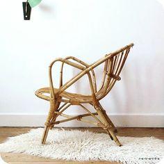 sur www.revoila.fr paire de fauteuils rotin 60s