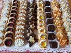 Eid Cookies Recipe, Tea Cookies, Cookie Recipes, Mini Cupcakes, Waffles, Biscuits, Food And Drink, Breakfast, Sweets