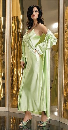 Green Satin Nightgown and Green Satin Robe it Looks Soft and Comfortable Pyjama Satin, Satin Nightie, Silk Nightgown, Satin Lingerie, Silk Gown, Pretty Lingerie, Beautiful Lingerie, Lingerie Sleepwear, Silk Satin
