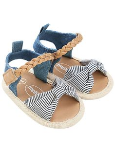 Baby Girl Sandals, Girls Sandals, Baby Girl Shoes, Girls Shoes, Beautiful Baby Girl, Cute Baby Girl, Baby Girl Newborn, Tan Leather Boots, Leather Moccasins